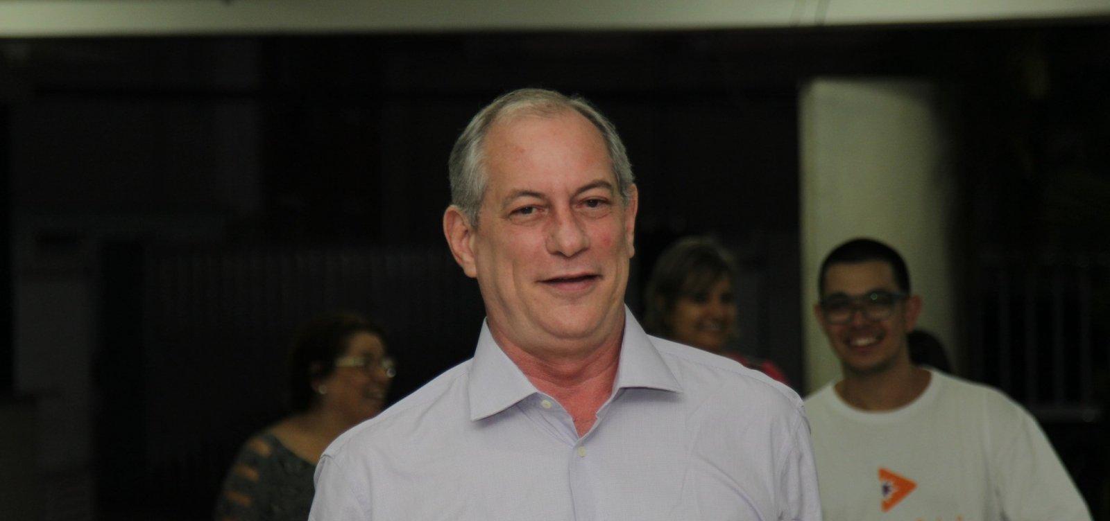 [Ciro Gomes vota e afirma não querer fazer campanha para o PT 'nunca mais']