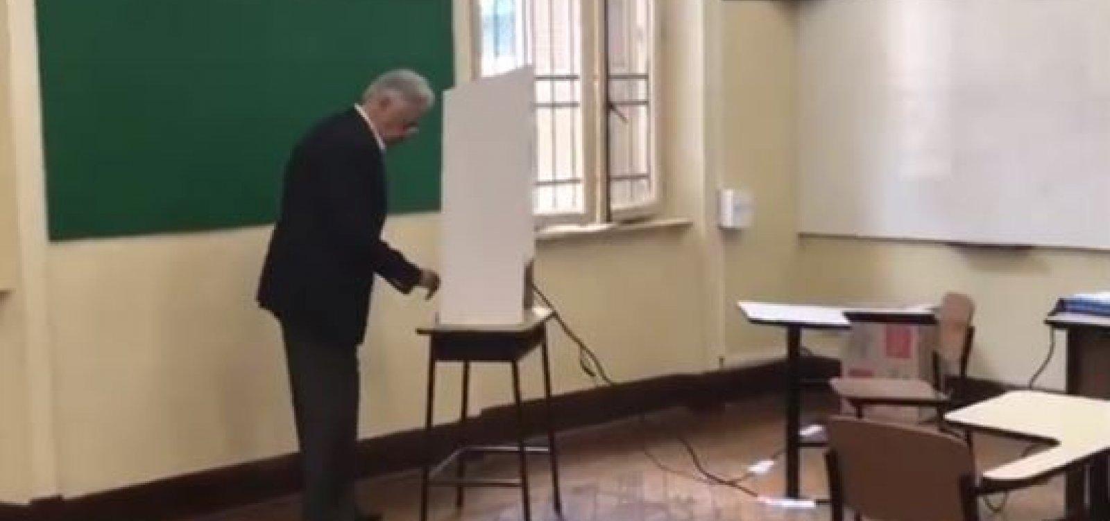 [Câmera flagra FHC votando em França e Haddad; veja vídeo]