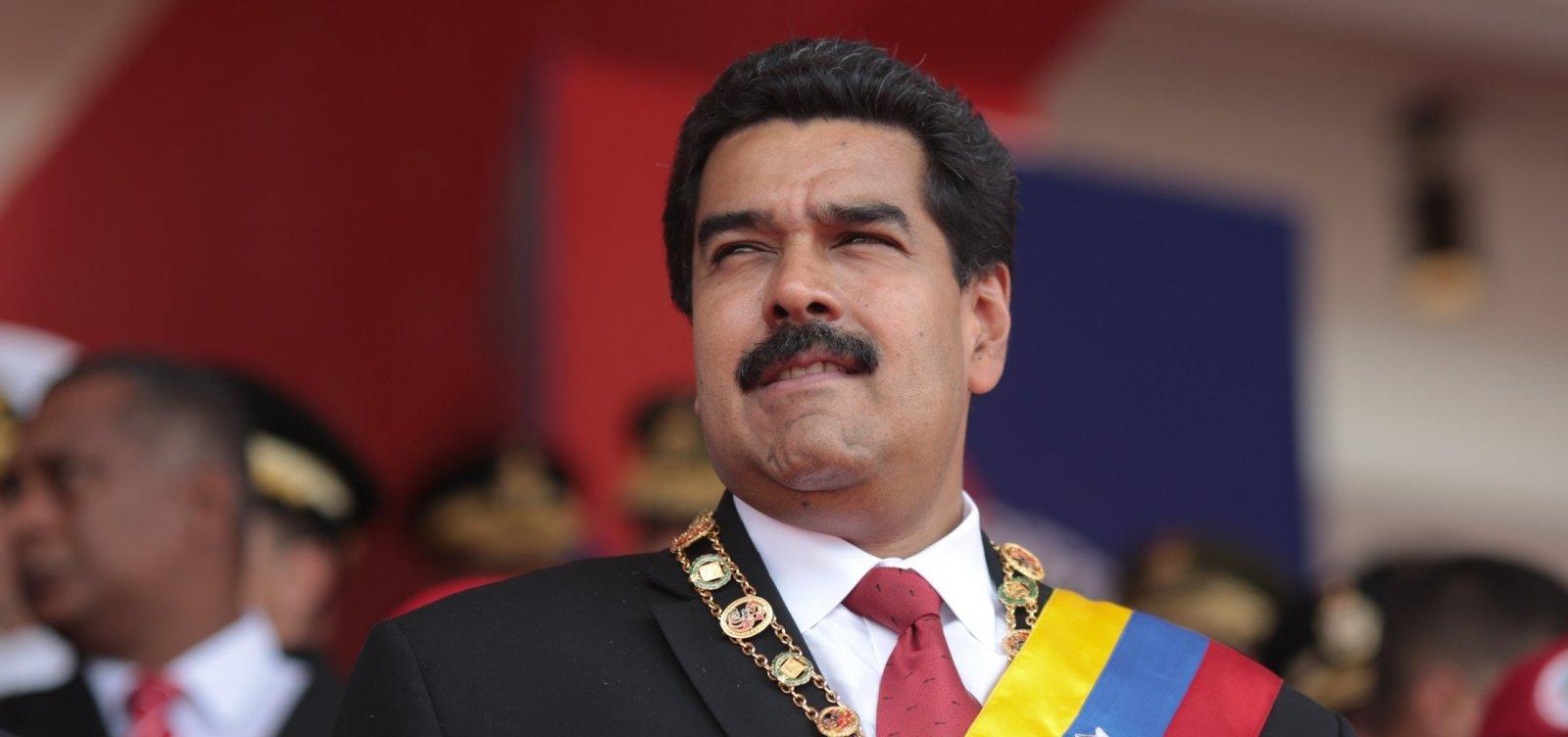 [Nicolás Maduro parabeniza Bolsonaro por vitória presidencial ]