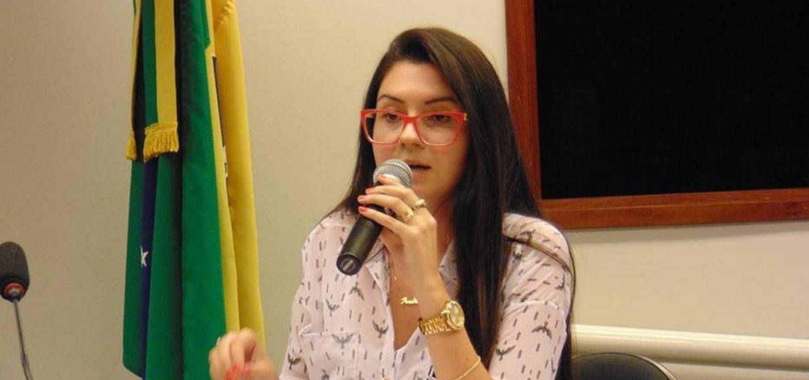 [Deputada aliada de Bolsonaro cria canal anônimo de denúncia contra professores]