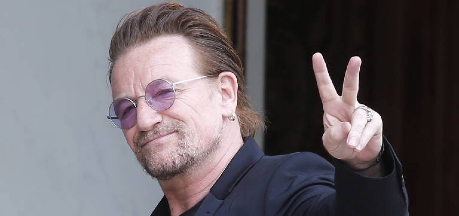 [Bono ironiza Bolsonaro em show do U2]