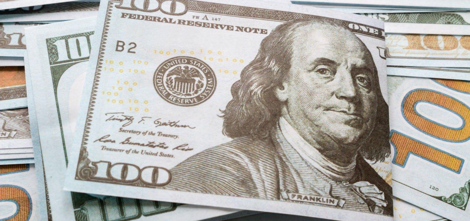[Após resultado das eleições, dólar amanhece em queda e Bolsa em alta]