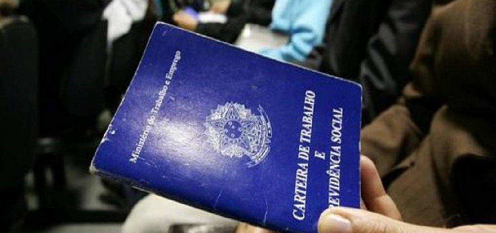 [Desemprego no Brasil recua para 11,9% em setembro]