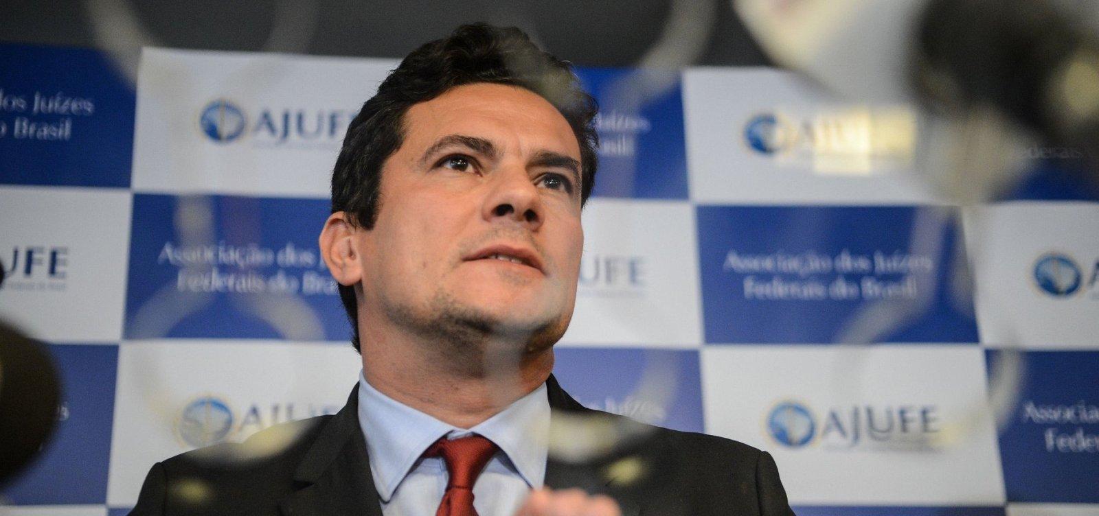[Moro se esquiva sobre convite para integrar governo Bolsonaro]
