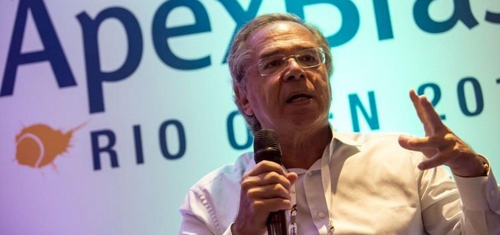 [Paulo Guedes refuta Lorenzoni sobre reforma da previdência: 'É um político falando de coisa de economia']