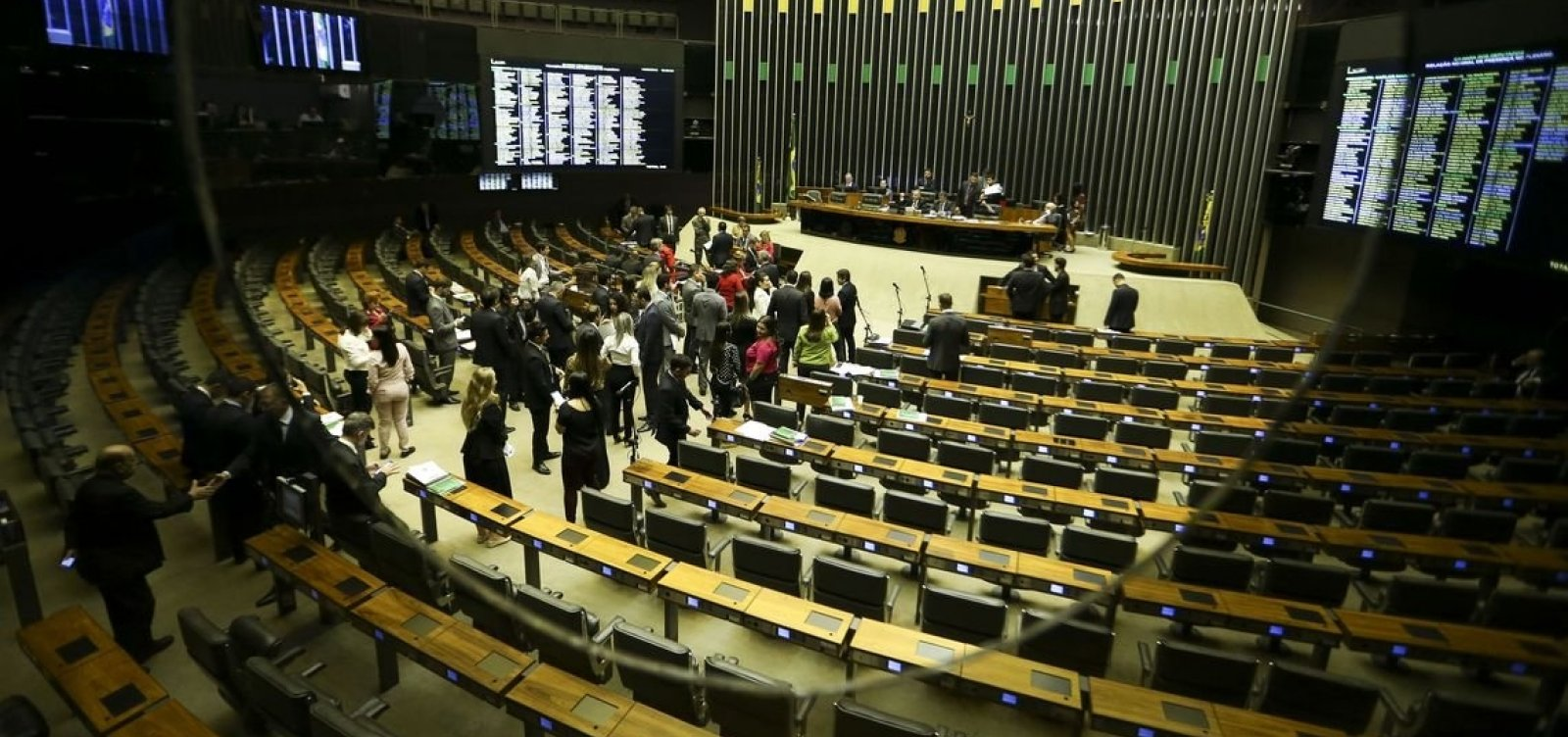 [Partidos de oposição a Bolsonaro discutem formação de bloco sem o PT]