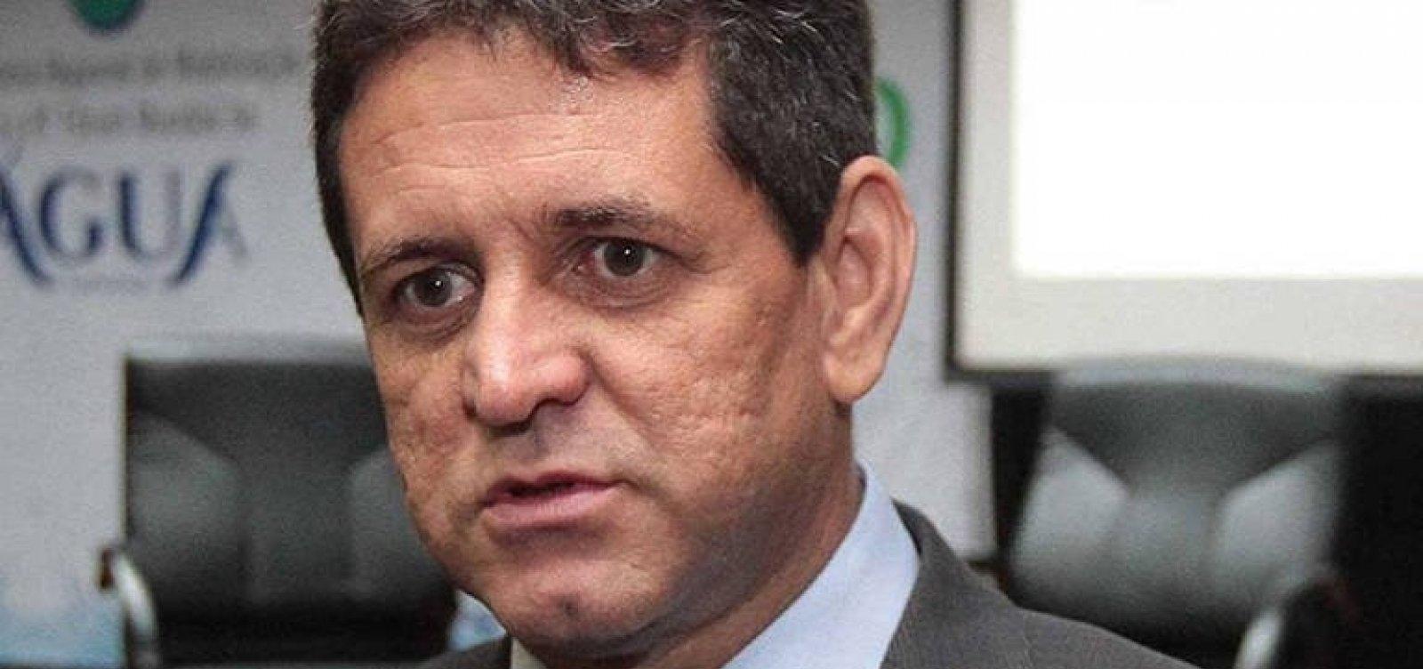 [Ministro do Meio Ambiente teme fusão anunciada por Bolsonaro]