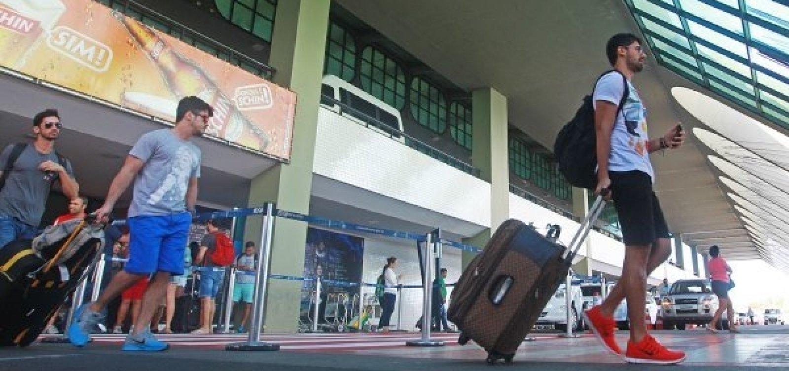[Praça de alimentação do aeroporto volta a funcionar 24 horas]
