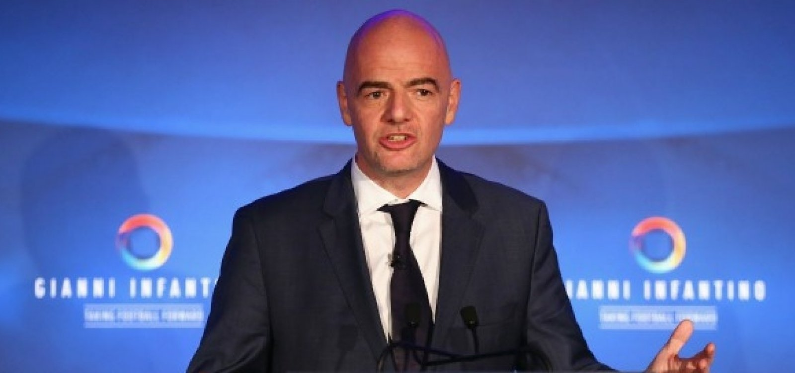 [Presidente da Fifa favoreceu Manchester City e PSG, aponta Football Leaks]