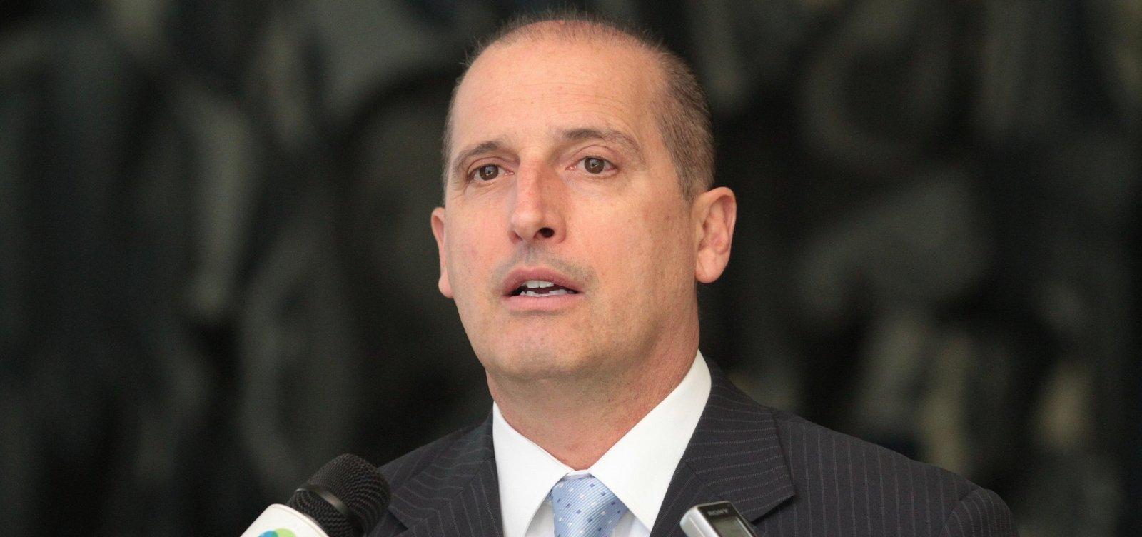 [Onyx Lorenzoni será nomeado ministro extraordinário, diz jornal]
