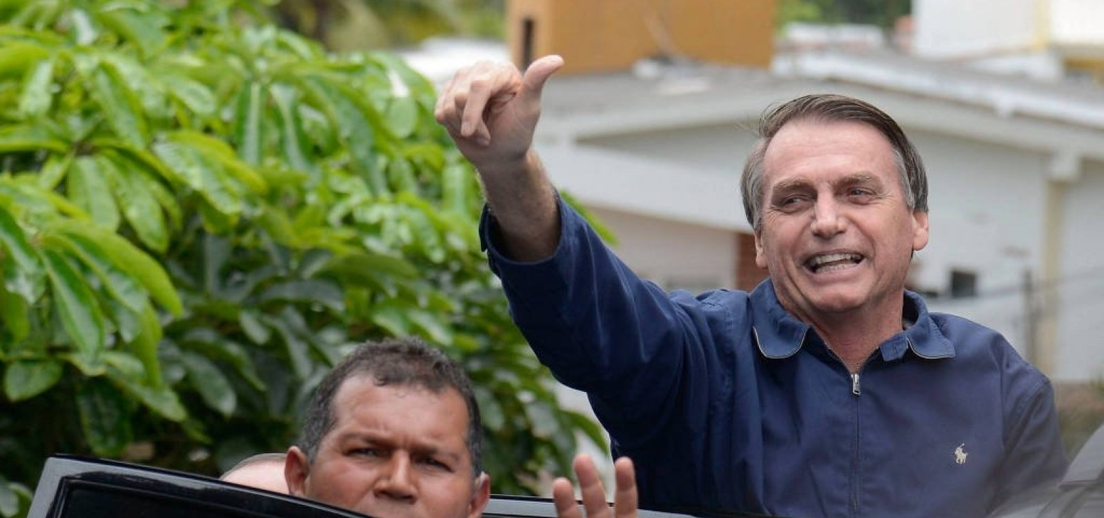 [Bolsonaro ameaça romper relações diplomáticas com Cuba]