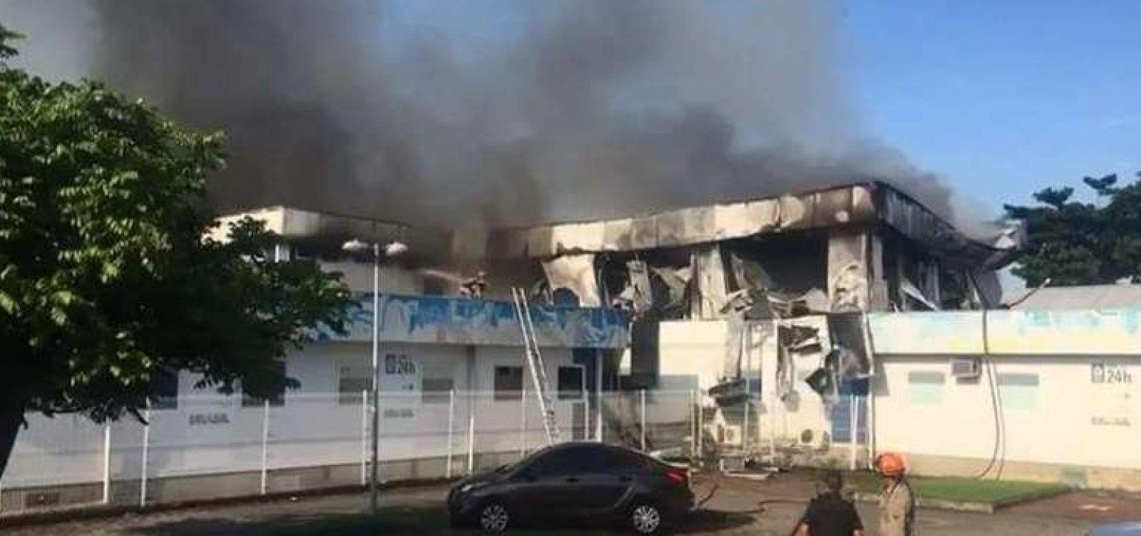 [Incêndio destrói hospital no Rio e três pacientes morrem]