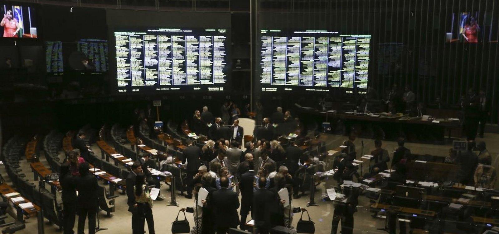 [Deputados eleitos devem mais de R$ 150 milhões à União]