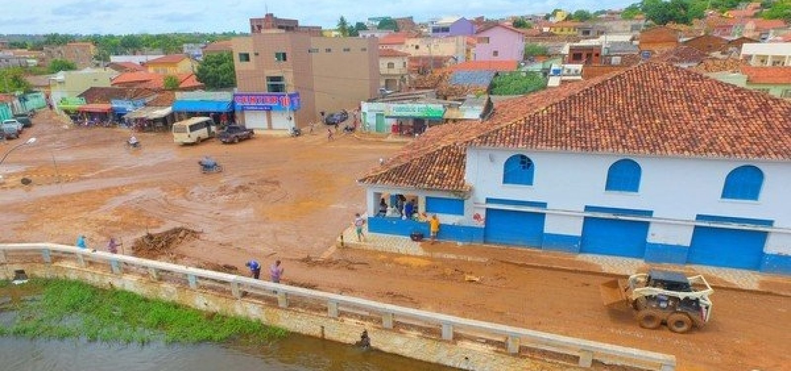[Prefeitura de Correntina decreta situação de emergência após fortes chuvas]