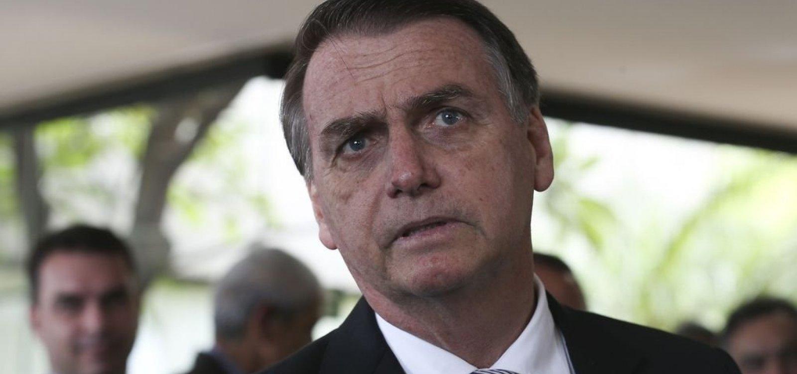[Bolsonaro diz que vai fechar embaixadas ociosas do Brasil no exterior]