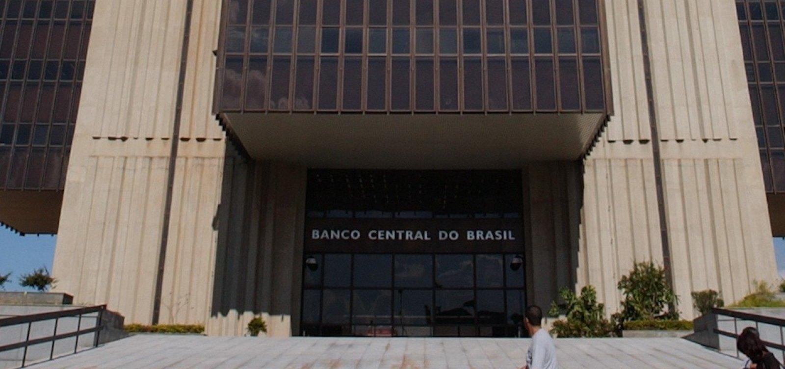 [Bolsonaro diz que Guedes está em 'vias de anunciar' nome para o BC]