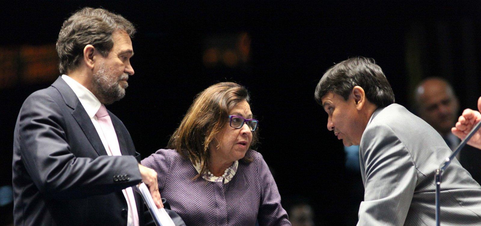 [Lídice vota contra reajuste para ministros do STF; Otto e Pinheiro são a favor ]