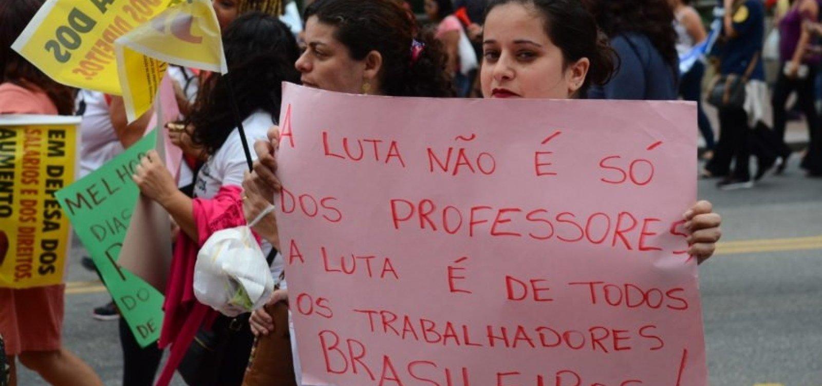[Brasil cai para último lugar no ranking de status do professor]