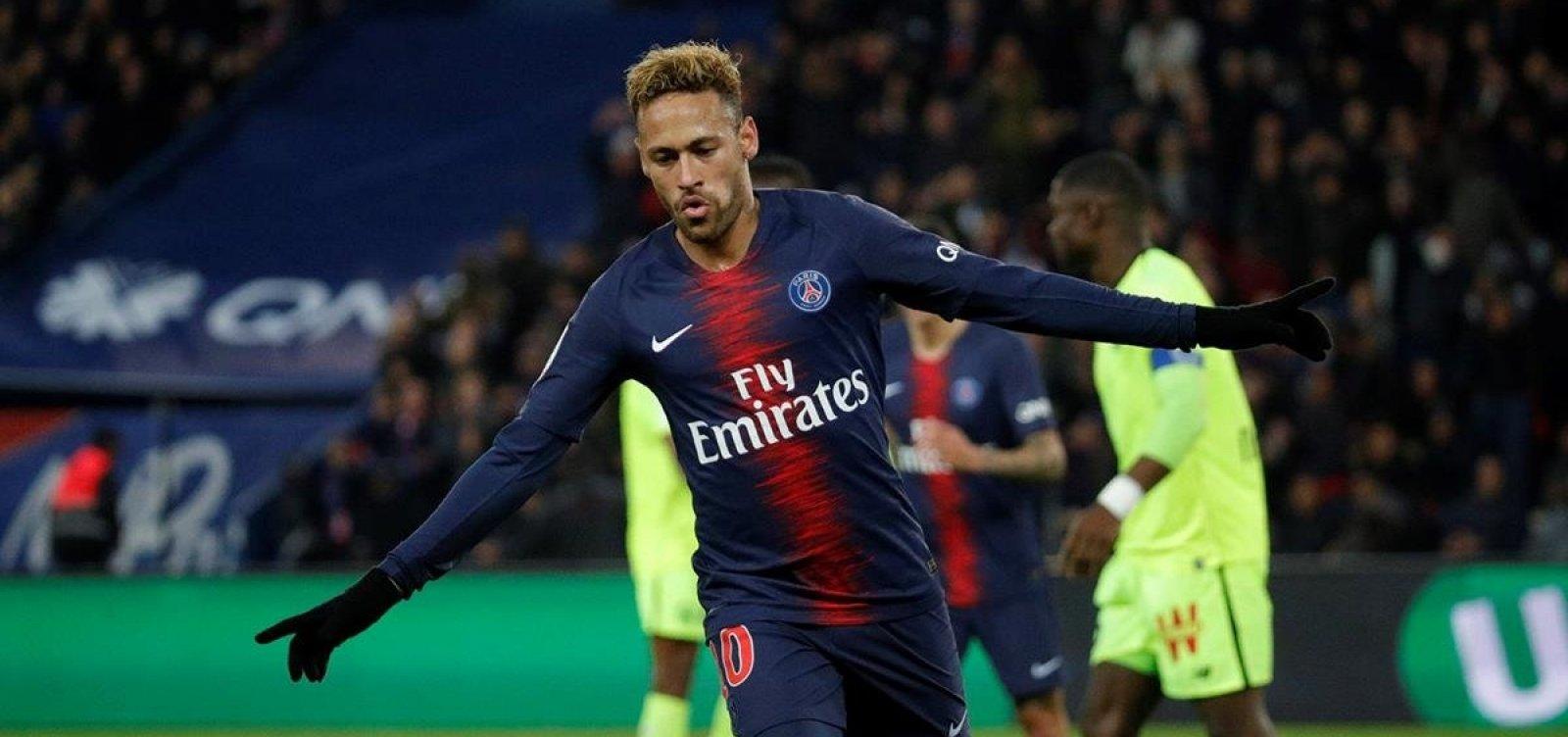 [Vazamentos indicam que Neymar recebia bônus por saudar torcida e não criticar técnico]