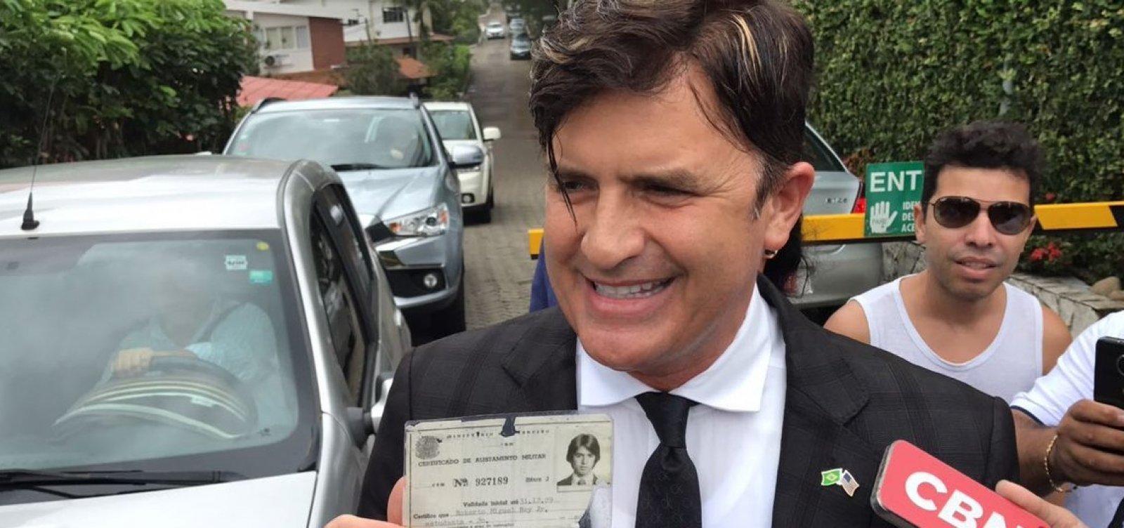 [Dr. Rey visita Bolsonaro e diz que quer ser ministro da Saúde]