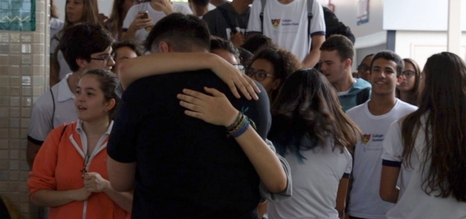 [Alunos do Colégio Antônio Vieira fazem manifestação em apoio a professores; veja vídeo]