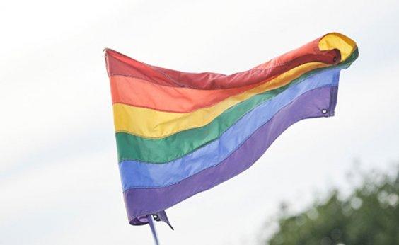 [Escócia torna obrigatório ensino sobre pessoas LGBT+ nas escolas públicas]