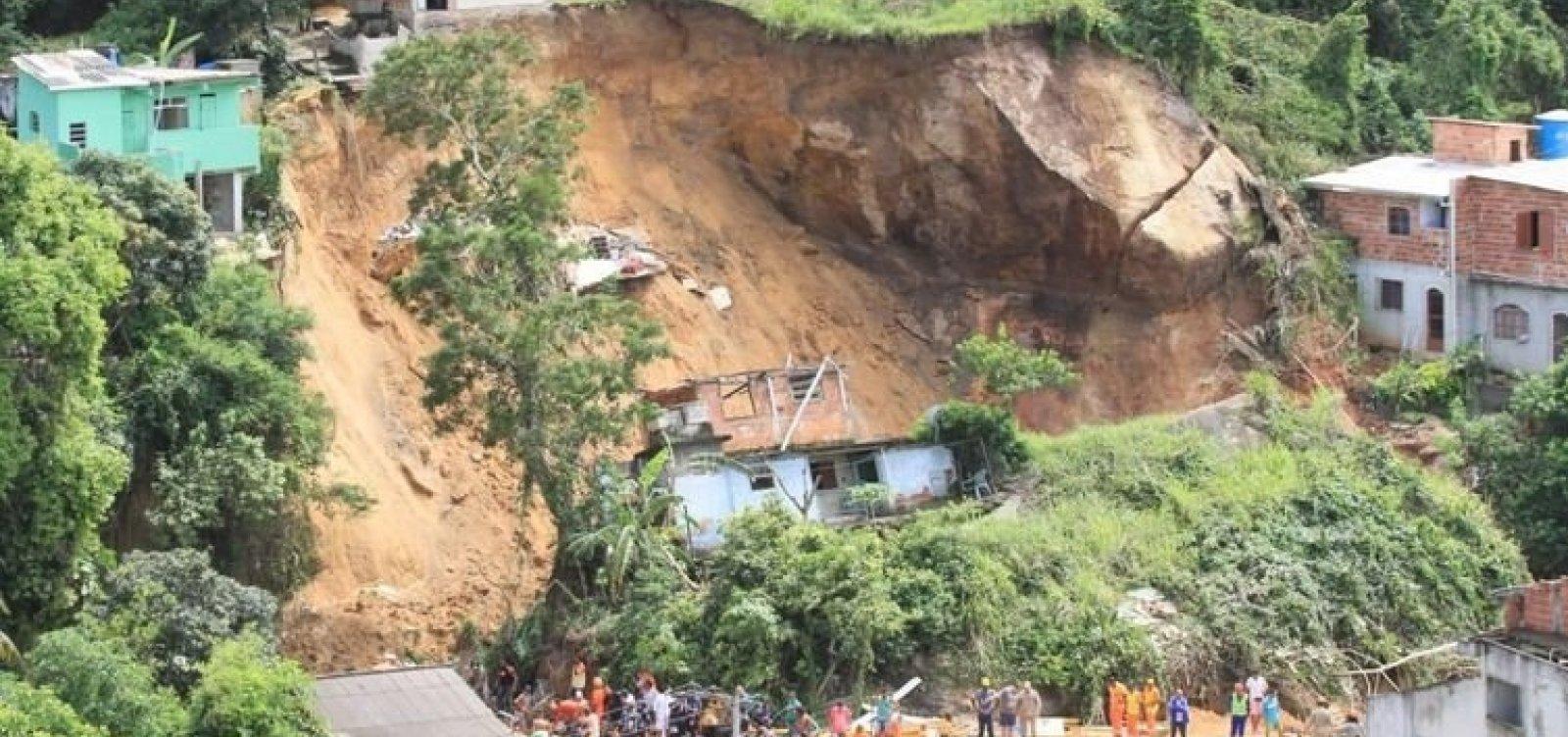 [Número de mortos em deslizamento de Niterói, no RJ, sobe para 10]