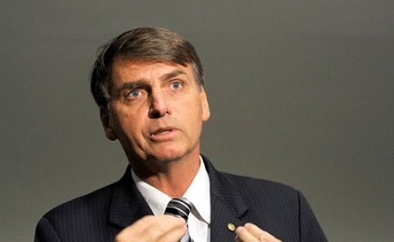 [Bolsonaro se reúne hoje com deputado que quer presidir Câmara]