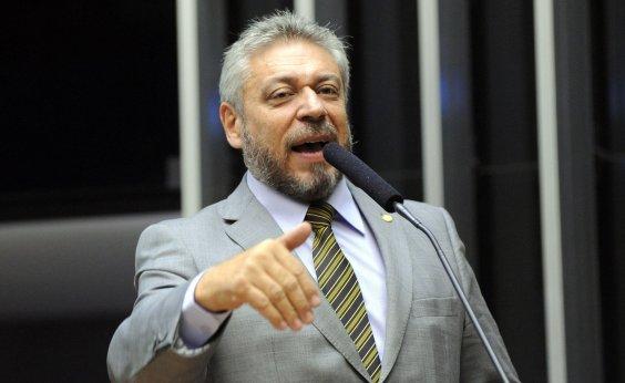 [Deputado admite ter comprado base ilegal de contatos para campanha via WhatsApp]