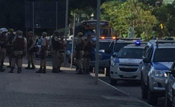 [Tentativa de assalto a carro forte termina em tiroteio no Salvador Shopping]