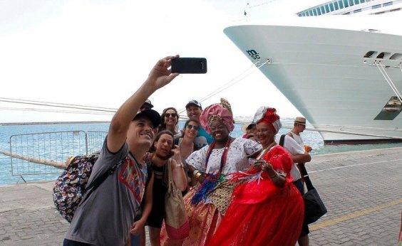 [Mais de 10 mil turistas devem chegar à capital em cruzeiros no mês de novembro]
