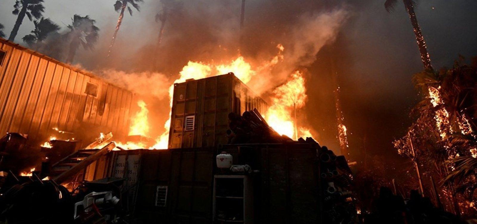 [Sobe para 59 o número de mortos pelo incêndio na Califórnia]