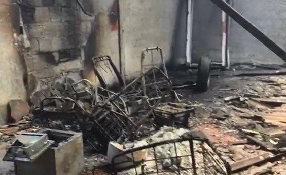 [Incêndio afeta antigo depósito de empresa de valores em Eunápolis]