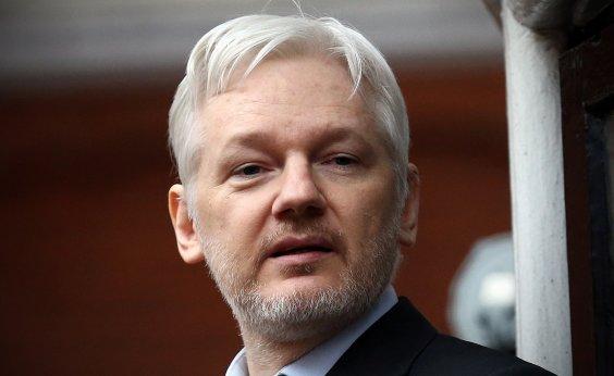[Promotores americanos indiciaram Julian Assange em segredo, diz jornal]