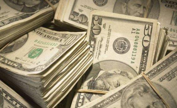 [Dólar abre em queda após anúncio de Campos Neto no comando do BC]