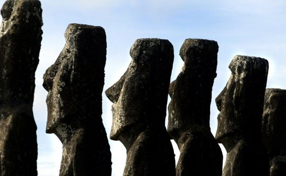 [Chile negocia com Reino Unido devolução de estátua retirada há 150 anos da Ilha de Páscoa ]