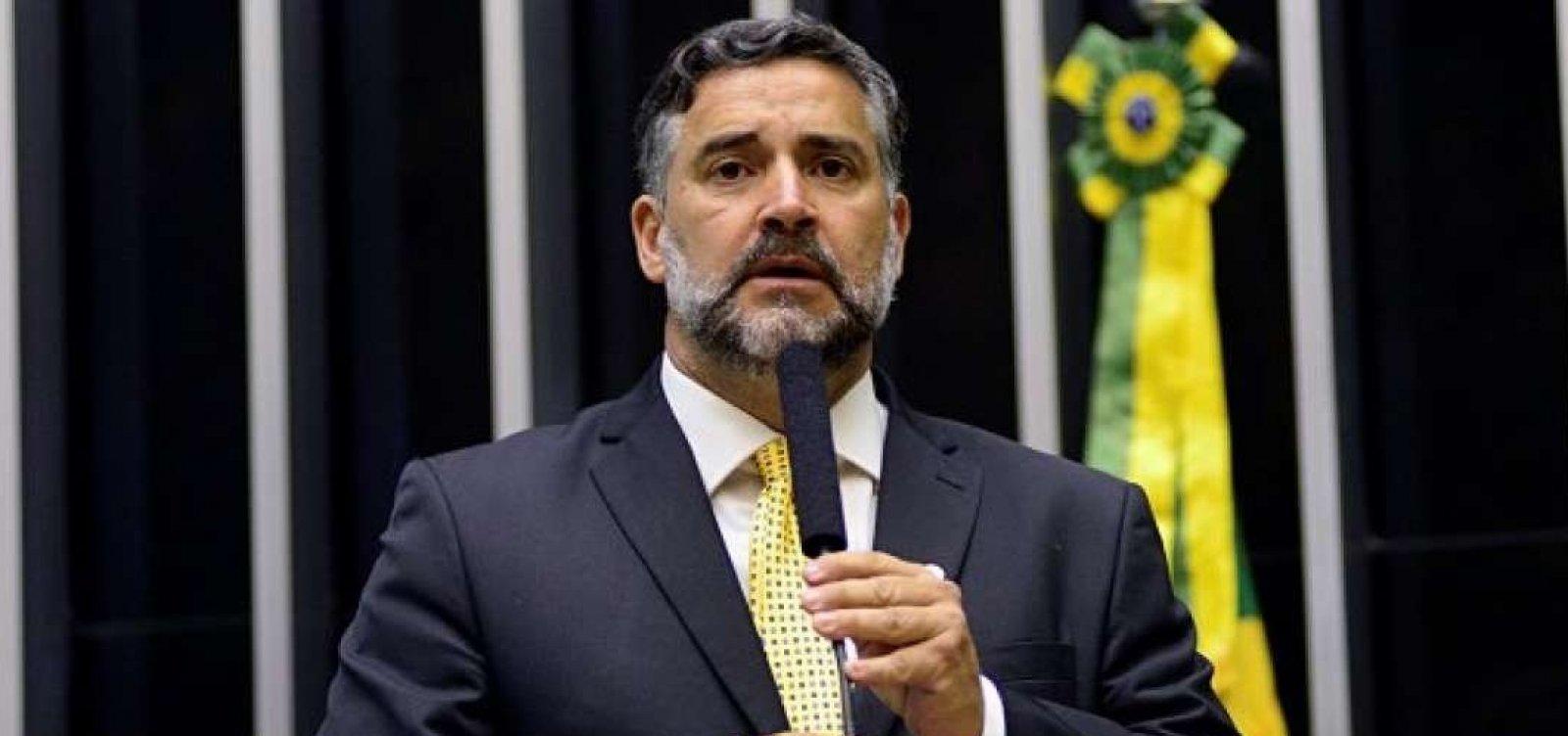 [Deputado do PT entra com ação para anular exoneração de Moro]