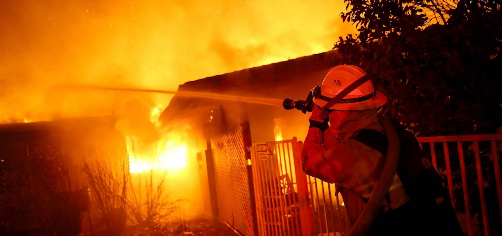 [Número de desaparecidos em incêndios na Califórnia sobe para mais de mil]
