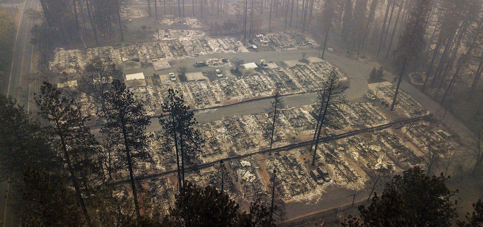 [Sobe para 78 o número de mortos em incêndios na Califórnia]