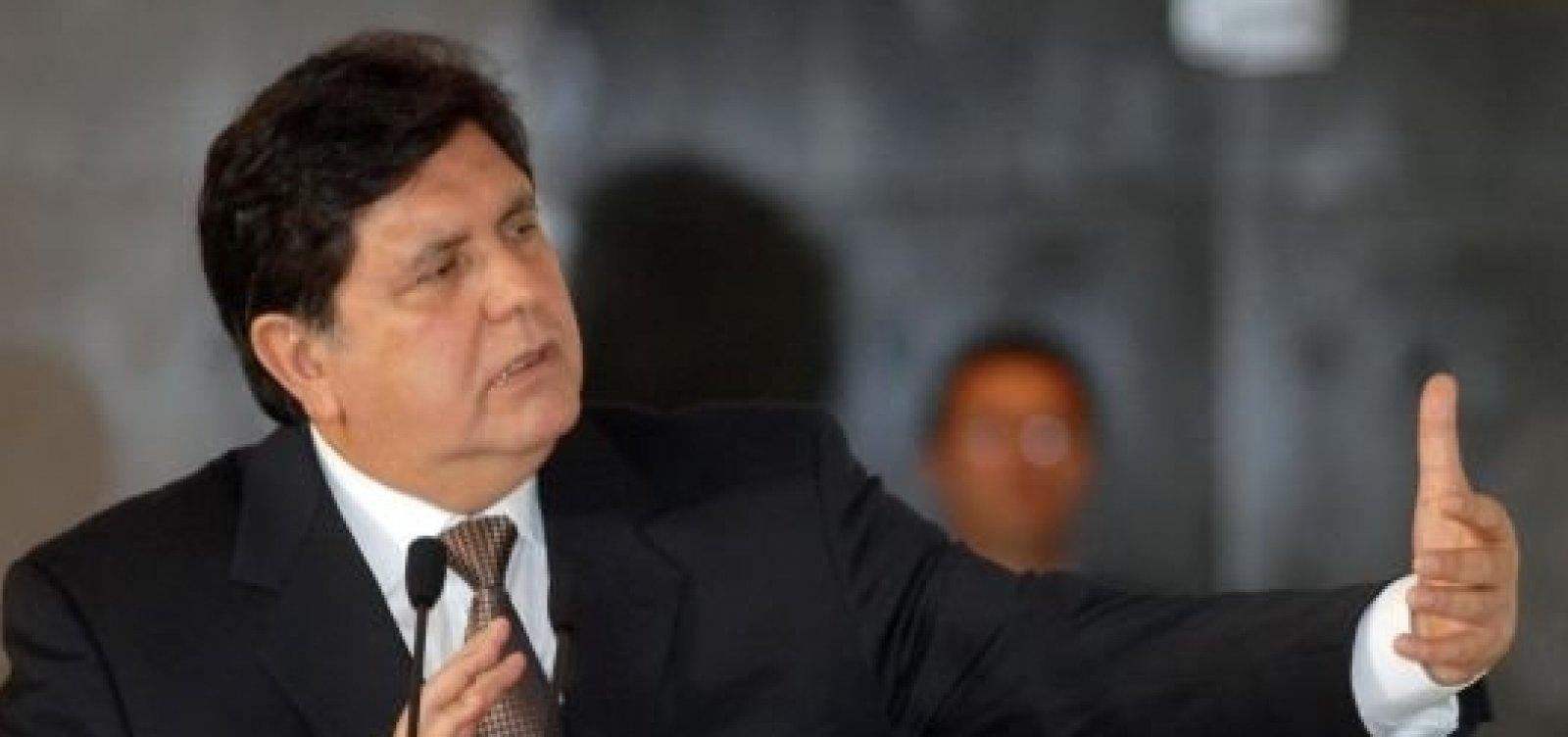[Envolvido em escândalo, ex-presidente do Peru pede asilo político no Uruguai]