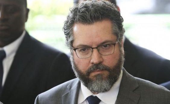 [Brasil não ficará de 'quatro diante de ditaduras', diz chanceler de Bolsonaro]