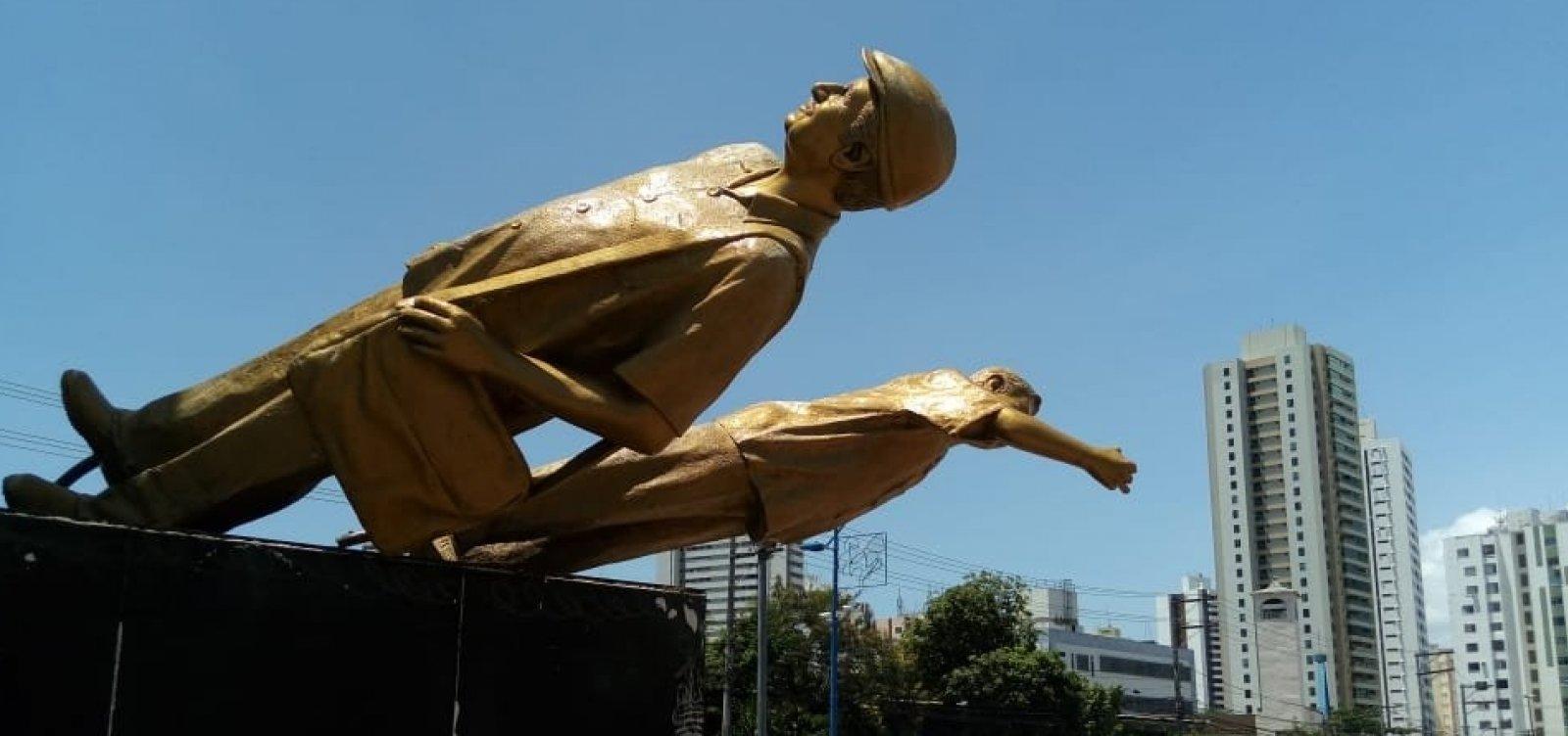 [Monumento em homenagem a Jorge Amado é alvo de vandalismo]