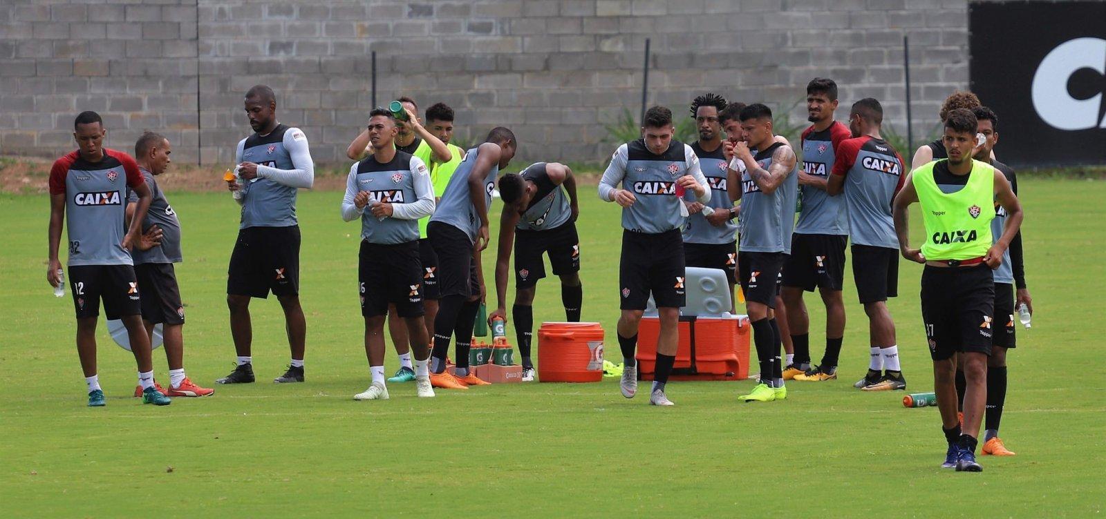 [Com desfalques e goleiro barrado, Burse relaciona 22 para enfrentar o Cruzeiro]