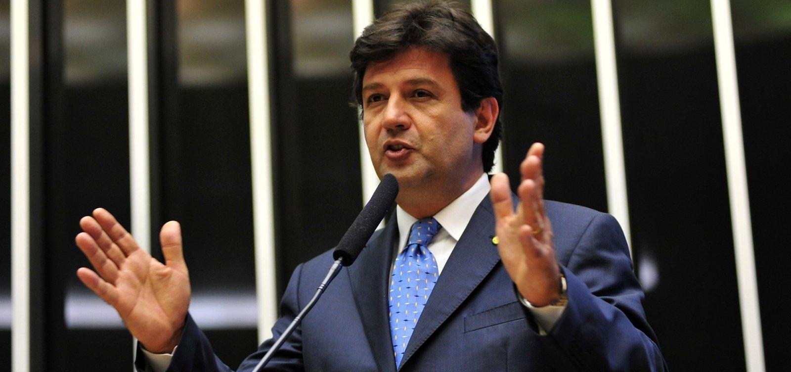 [Bolsonaro anuncia Mandetta para Ministério da Saúde]