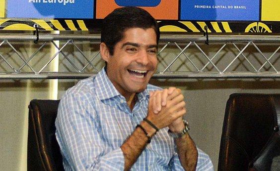 [Neto se reúne com Bolsonaro para discutir futuro do DEM no governo]