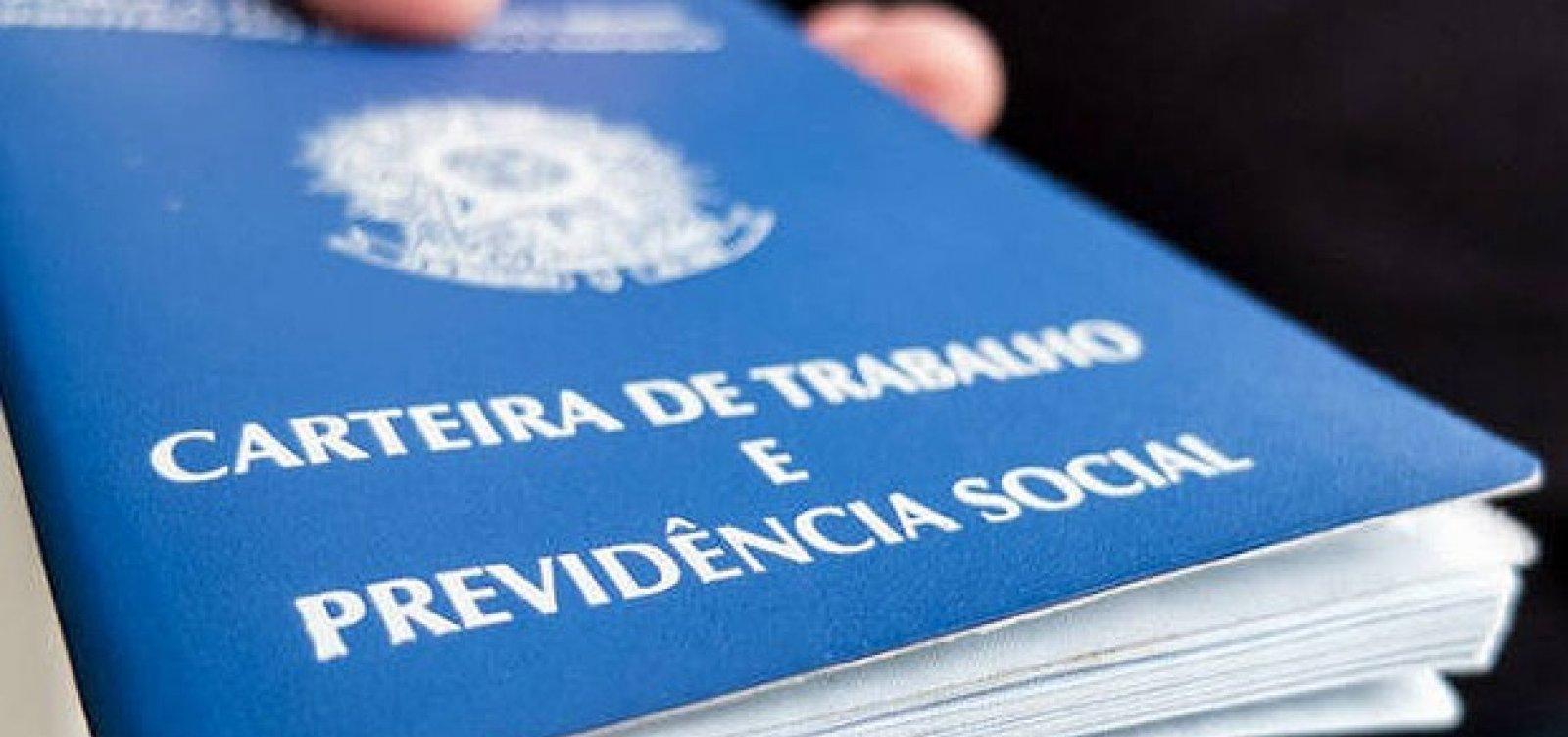 [Brasil cria 57 mil empregos formais em outubro, diz Temer]