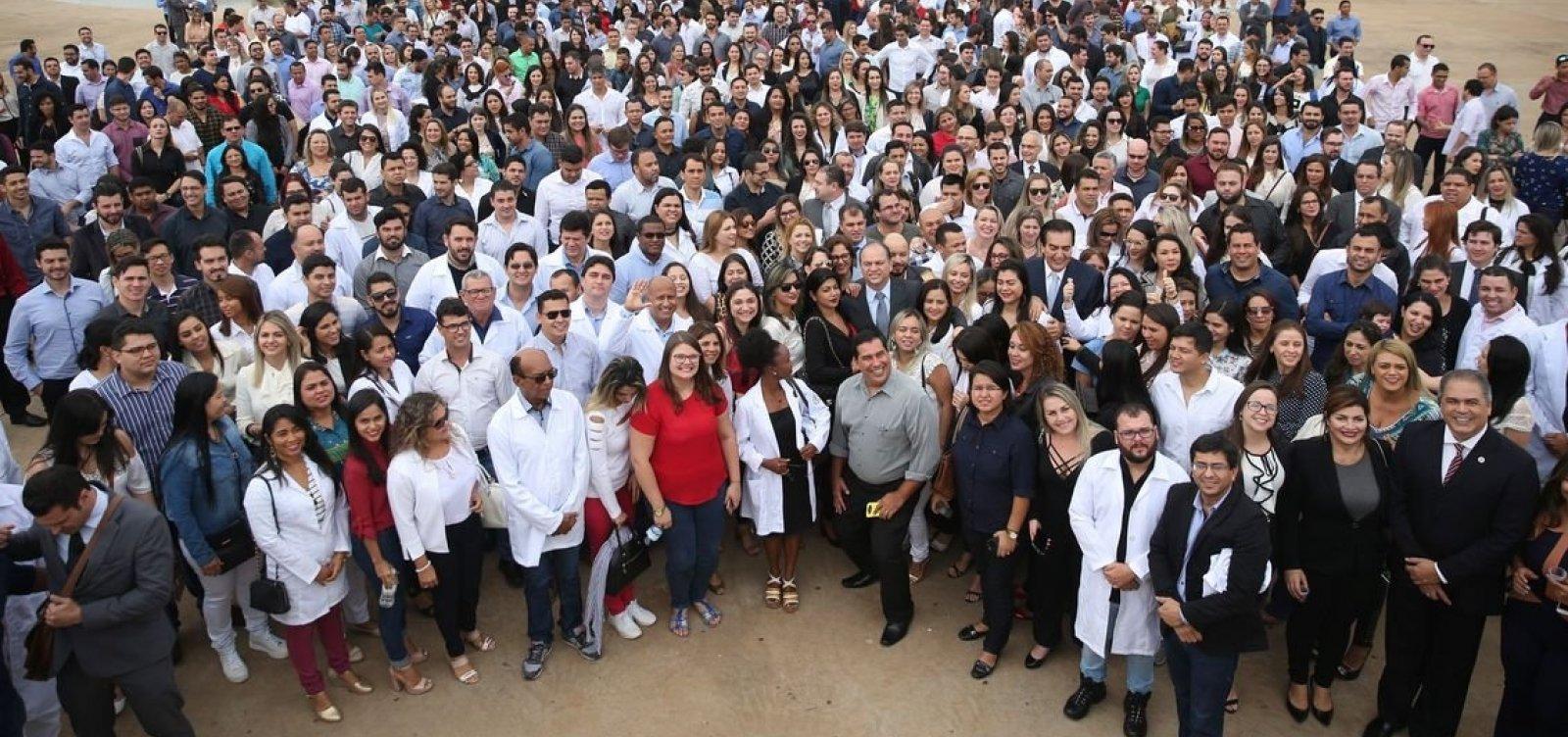 [Cidades baianas recebem 12 inscritos no Mais Médicos]