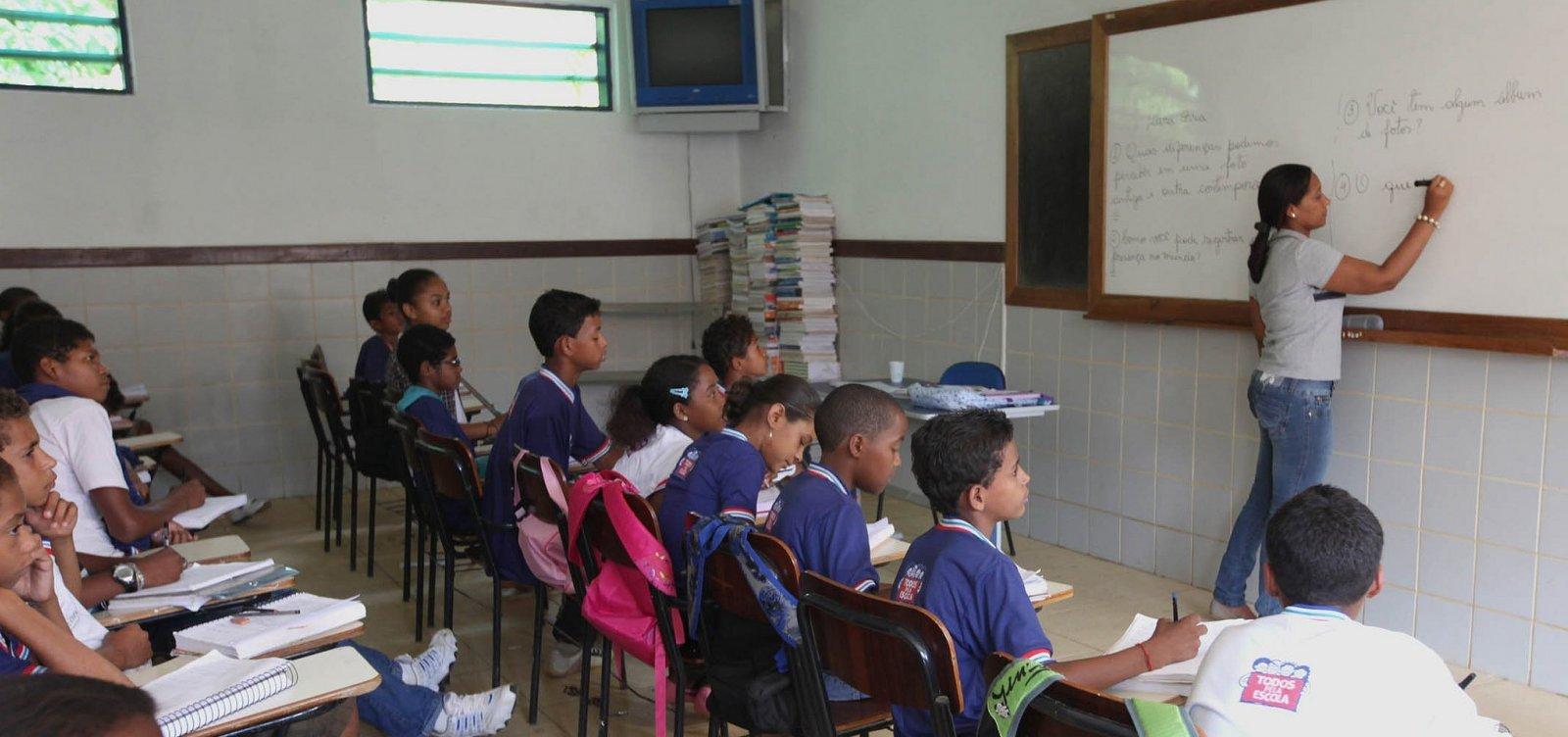 [Após pedido da prefeitura, governo vai matricular mais 17 mil estudantes]