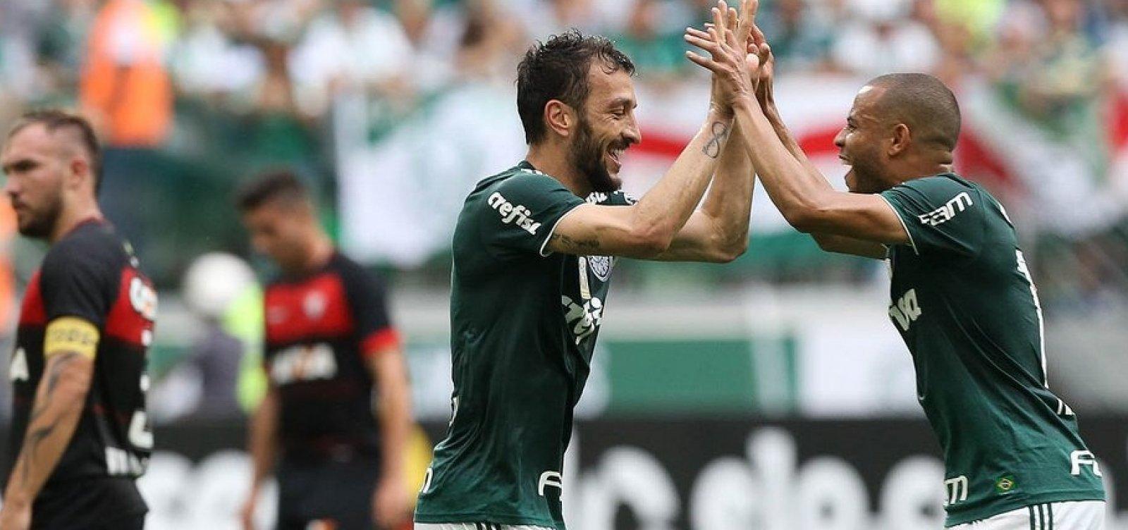 [Rebaixado, Vitória perde para o Palmeiras por 3 a 2]