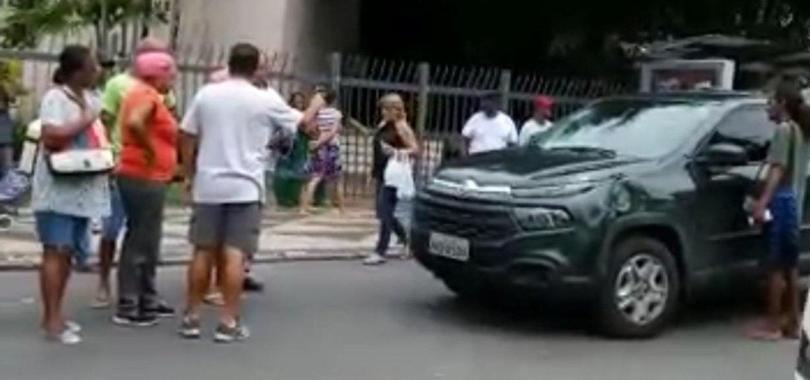 [Acidente envolvendo caminhonete e ônibus deixa um morto no Campo Grande]